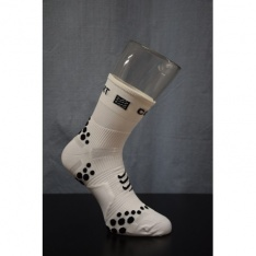 COMPRESSPORT RUN SOCKS HI V2 White/Black